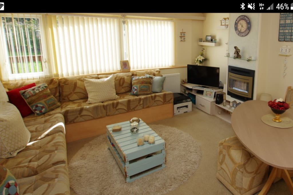 Lounge with freeview tv and dvd