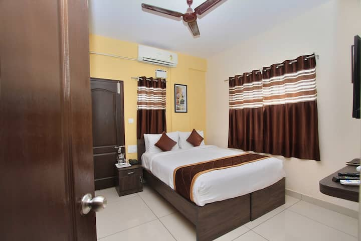 Private Balcony Deluxe Room Indiranagar Ulsoor