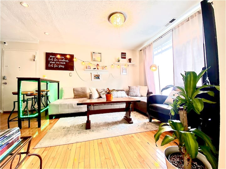 Private 3 bed 2 bath apartment with all amenities