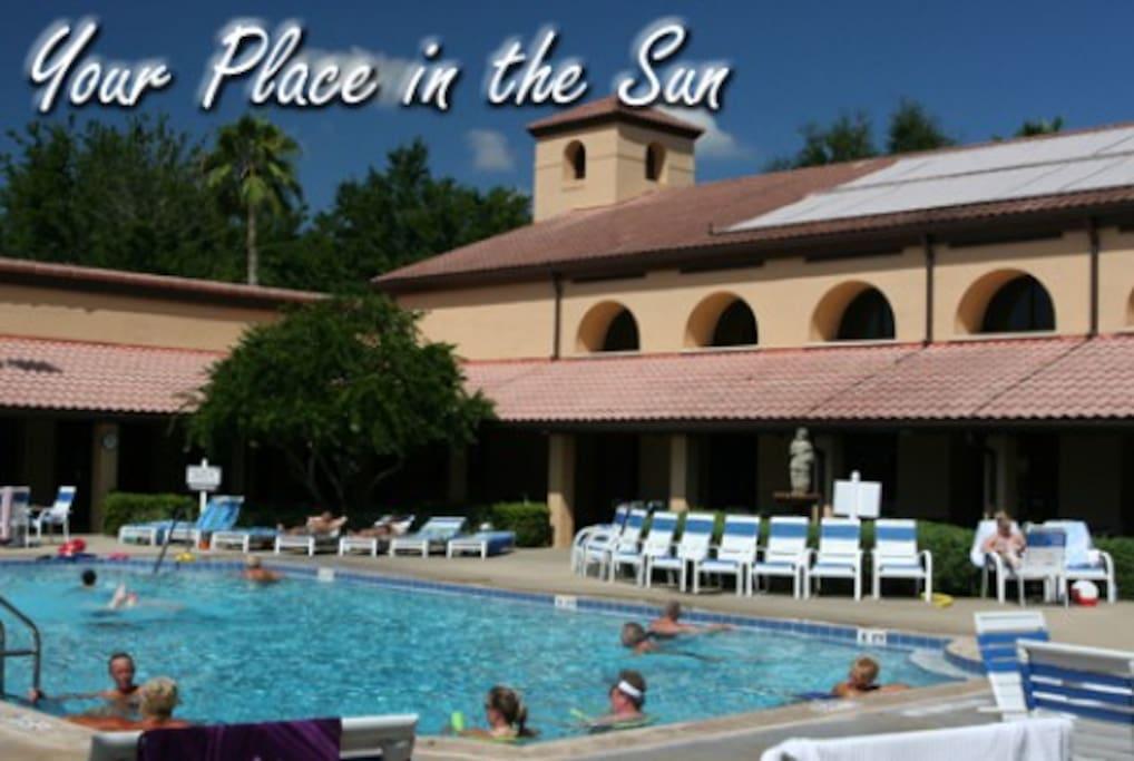Main Swimming Pool at Club Vista