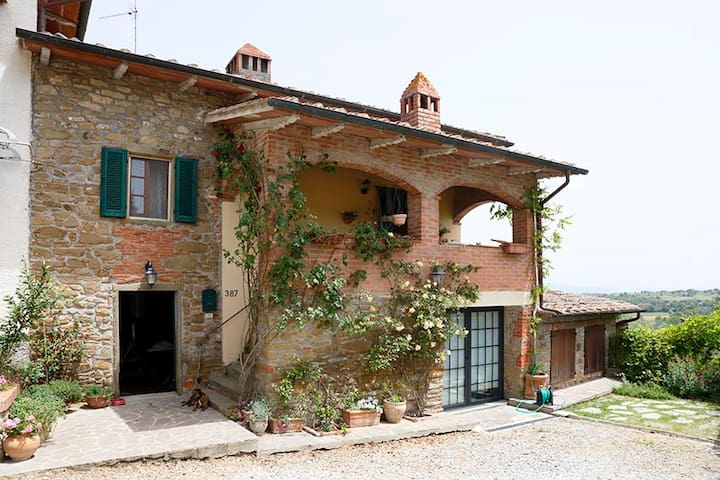 Self-contained gem, lovely views - Monte San Savino