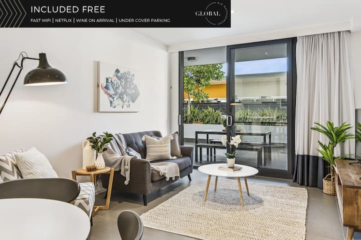 STYLISH COOKS HILL APT*WIFI/NETFLIX/PARKING/WINE