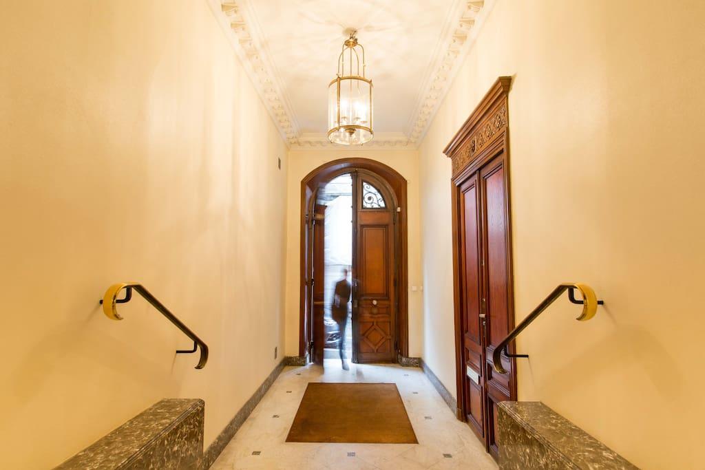 The spectacular marble lobby...