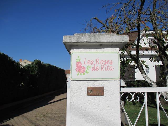 GITE A BOISSET LES MONTROND  - Boisset-lès-Montrond - Apartemen