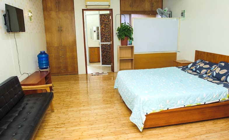 Serviced apartment near the Canal central Dist3