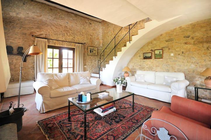 Authentic Catalan Farmhouse (masia) - Regencós - Villa