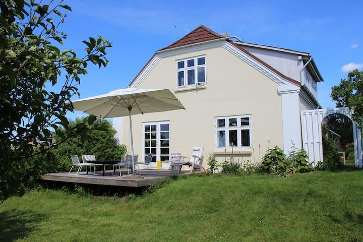 Romantic scenery near Aarhus - Hinnerup - Casa
