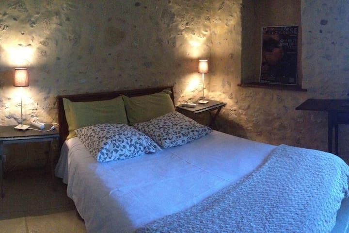 Gîte Domaine La Montmalle à St Montan