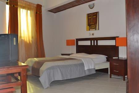 Chambre ébène - Porto Novo