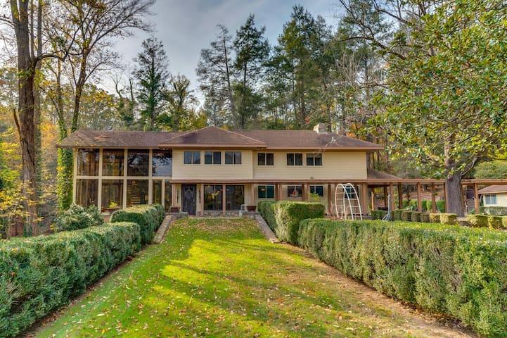 Bald Mountain Farms: Historic Cheek Family Estate