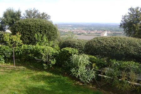 Appart rez de jardin d'une maison - Laroque-des-Albères