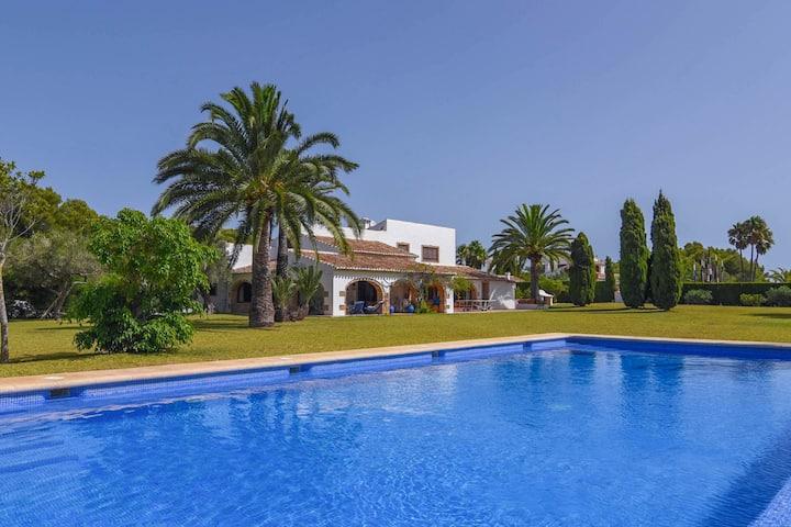 Al Torrero, a stunning mediterranean villa