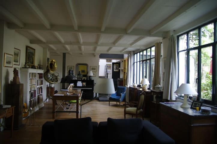 Chambre dans maison d'architecte