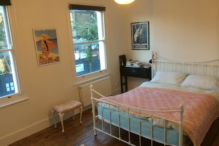 Lovely double in Stoke Newington - London