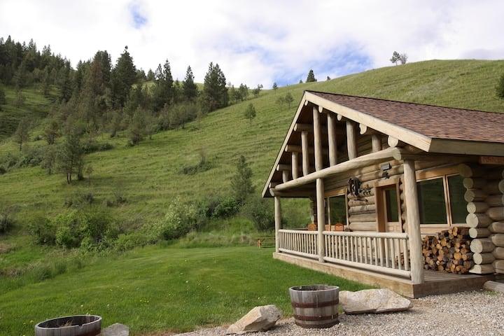 Rye Creek Lodge- Ponderosa Cabin