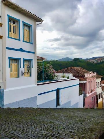 Lindo casarão no centro histórico de Ouro Preto