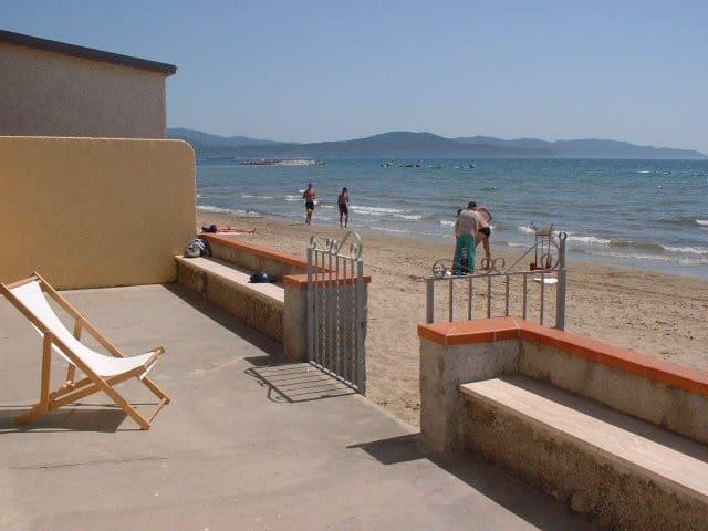 Maison sur la plage 8 pers., terrasse et jardin - Follonica - House