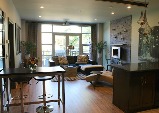 Gorgeous Luxury Loft Downtown - Kitchener - Çatı Katı