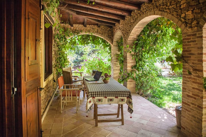 House in countryside (30 km dal mare)