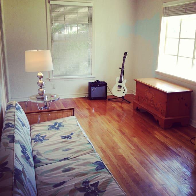 Gorgeous Hard Wood floor.