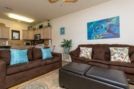 1BR North Padre Poolside Townhome - Corpus Christi - Apartment