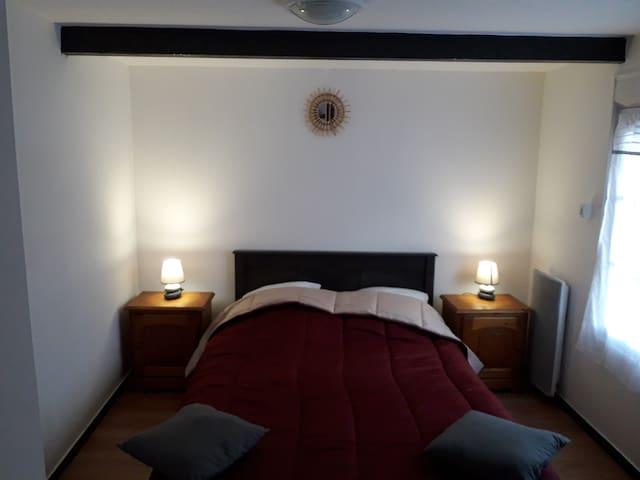 chambre 1 au rez de chaussée