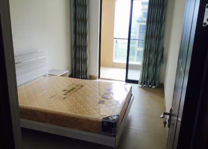 龙湖湾豪华装修 看湖看江 - Huizhou - House