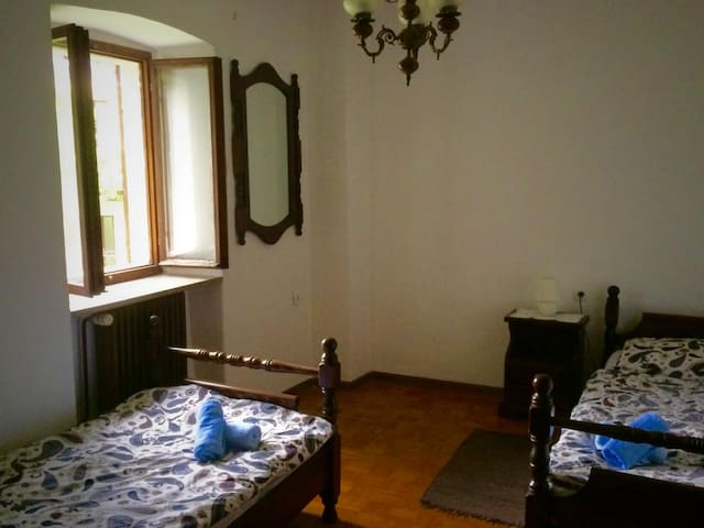 Soca Guesthouse - Twin room with shared bathroom
