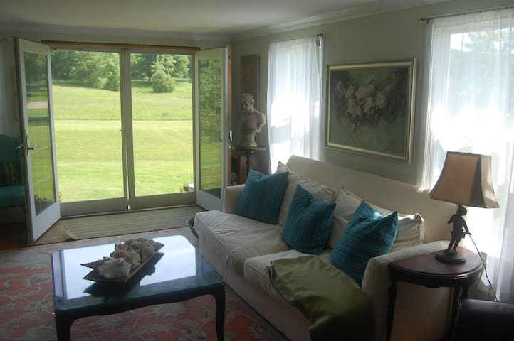 Two beautiful rooms w/ private bath and entrance - Kennebunkport - Otros