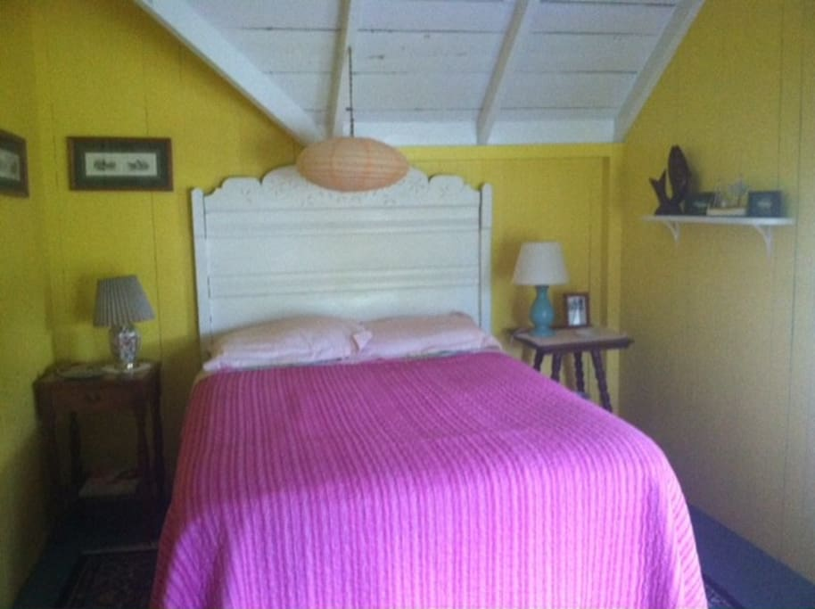 Bright, airy room with comfy full sized bed. Bureau and closet too. Ceiling fan will keep you cool.