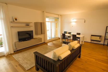 Wonderful apartment with private beach - Wohnung