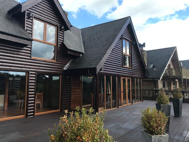 9 Lough Sillan Holiday Lodge, Cavan