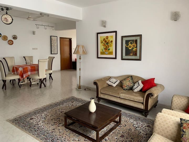 Your cozy airy abode in Dhaka, Bangladesh!