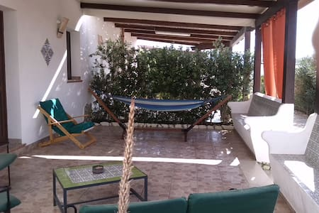 apartment with garden and barbecue,near the sea - Valderice - Apartment