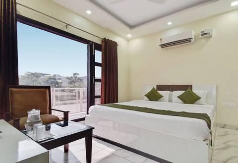 The Shashank Villa Executive Room