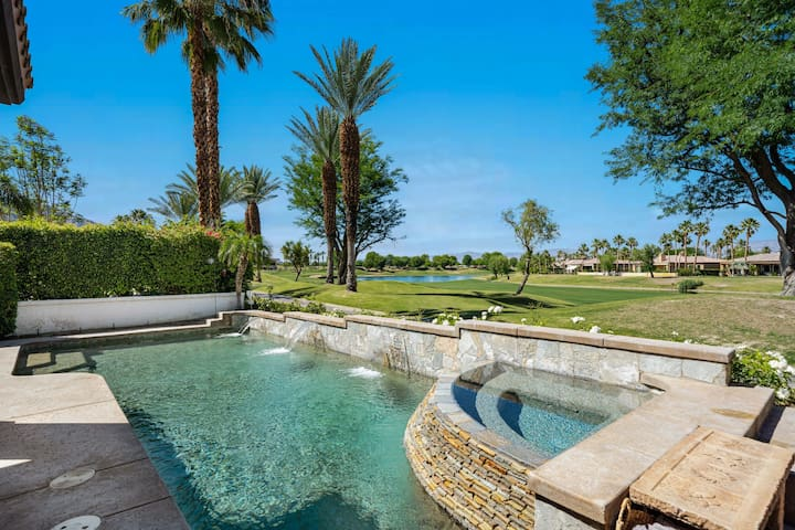 VIEWS!!  PGA West Golf Course Pool & Spa home