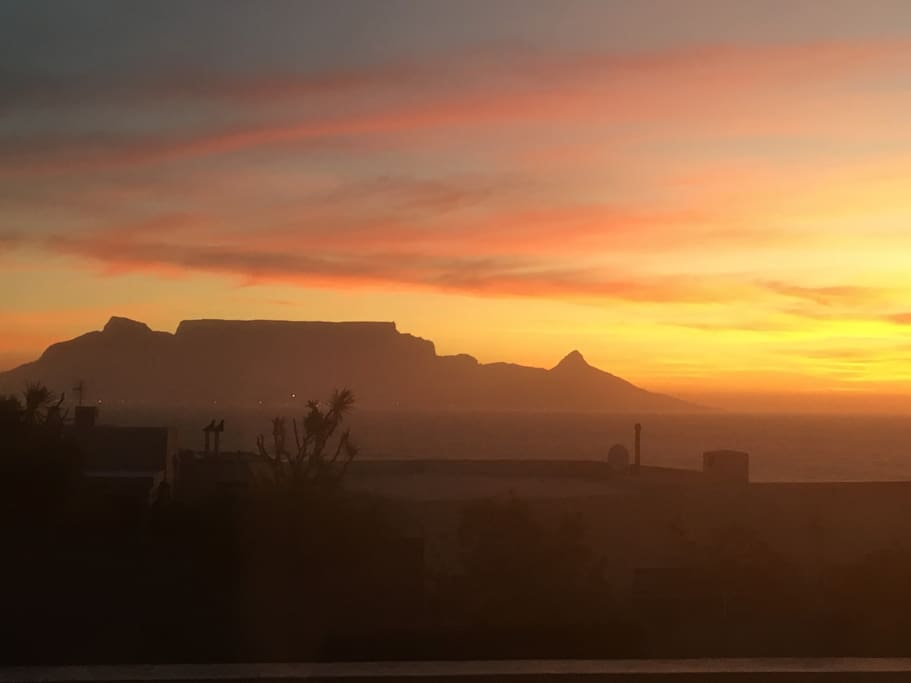 Beautiful sunsets of Table Mountain