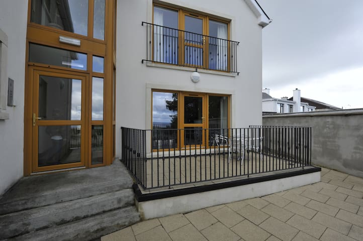 Cois Re Holiday Apartment