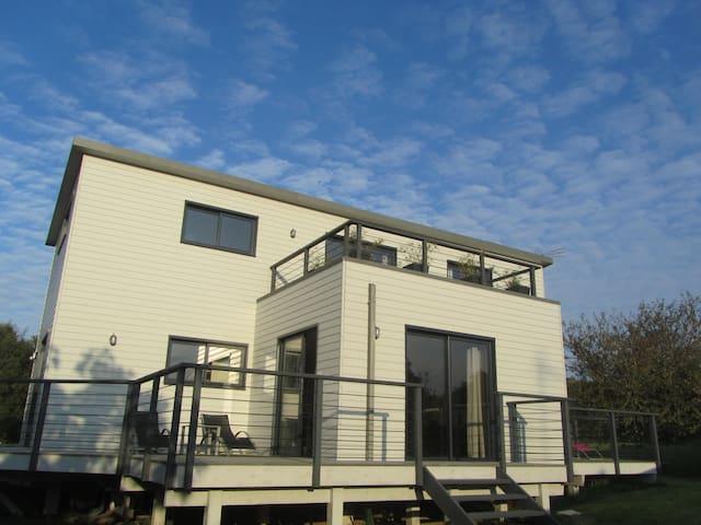 Maison entièrement en bois, récente - Trébeurden - House
