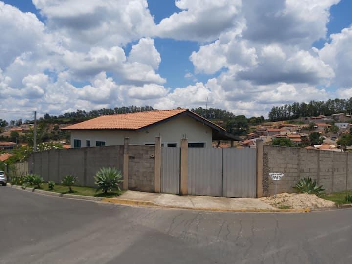 Casa em serra negra  aluga para temporada