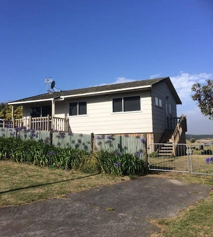 Cute wee bach in Waikawa Beach - Waikawa Beach - House