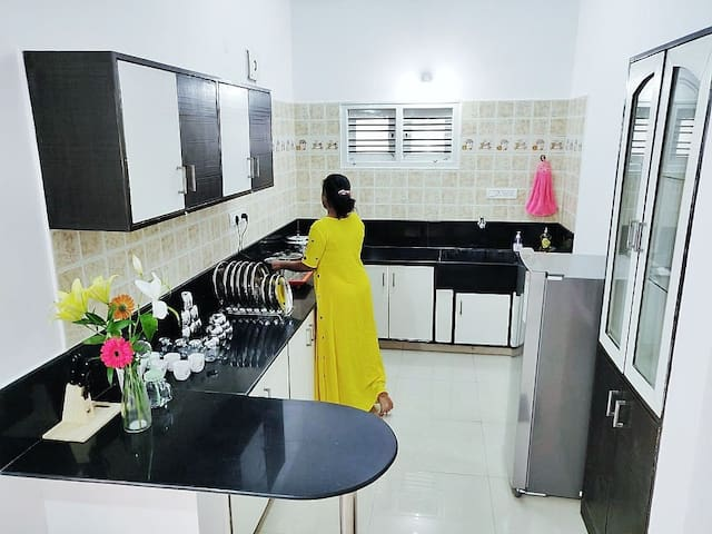 A Premium 2 bedroom flat with kitchen in JP Nagar