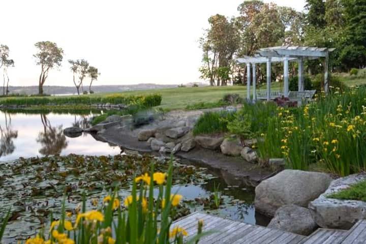 Event Venue: Vashon Island (25-500  guests)