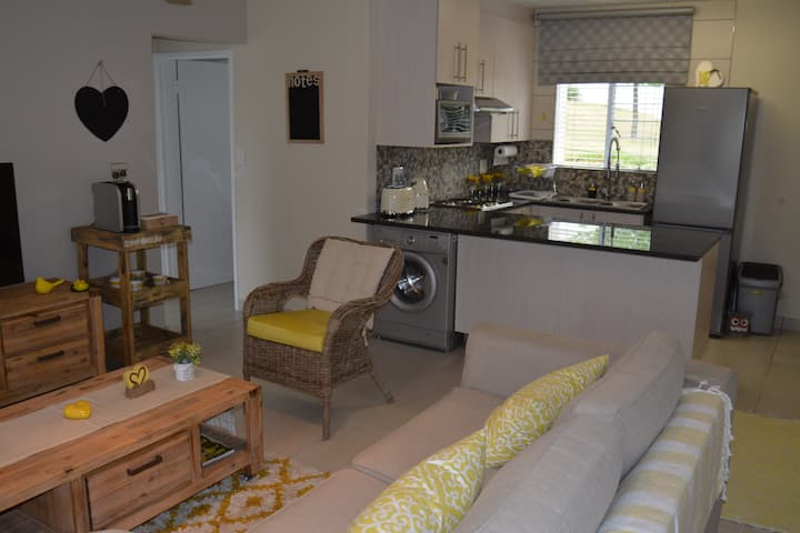 Apartment close to Wilgeheuwel Hospital