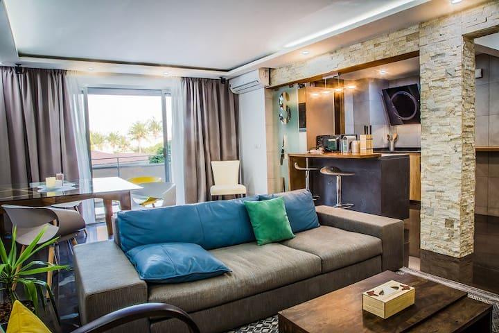 Apt SAM 72m2 luxueux et meublé. service hotelier