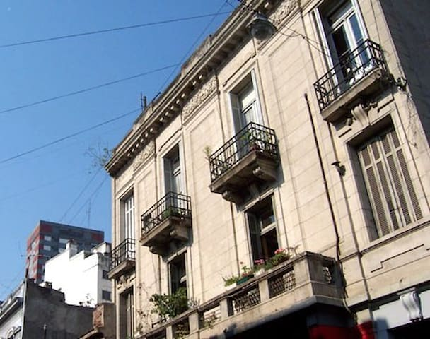 San Telmo 3BR w/ Rooftop Terrace