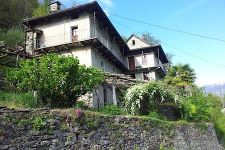 Ursprüngliches Tessinerhaus - Intragna - Calezzo