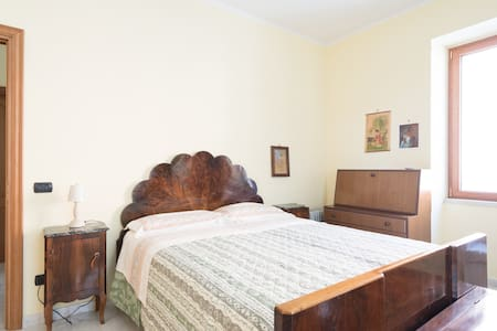 Cosy room+parking near Pompeii to live like locals - Scafati