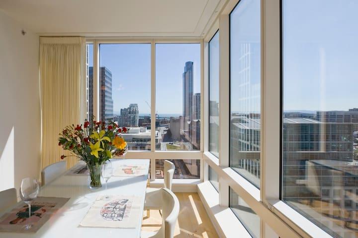 Luxury Apartment in SOMA Sleeps 4
