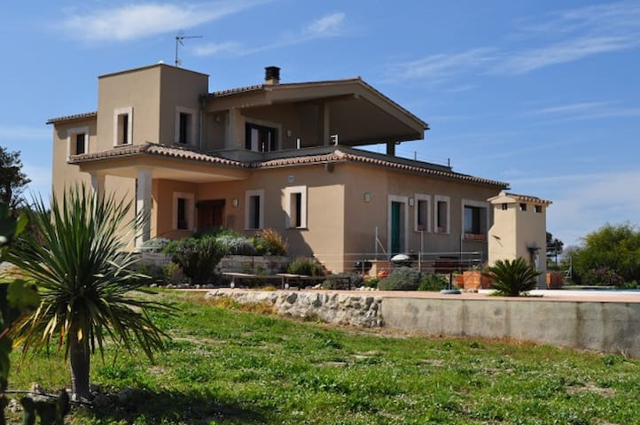 Rural house 10 mins drive to sea - Muro - Bed & Breakfast